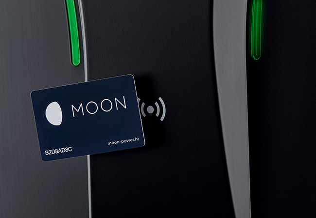 moon connect card